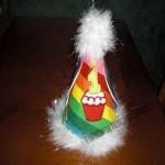 کلاه تولد با طرح برجسته رنگین کمان